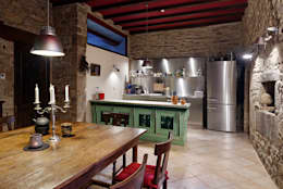 Rustic and modern kitchen